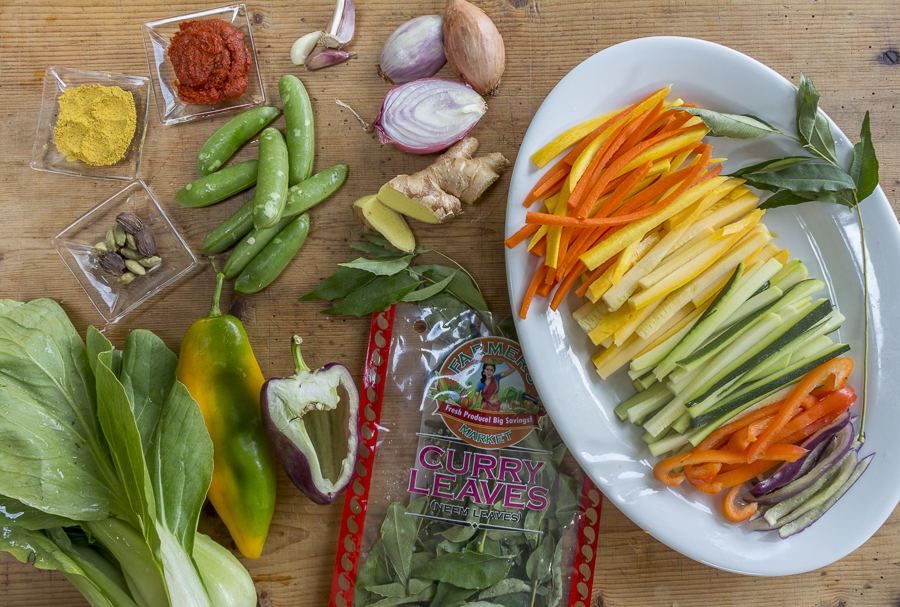 Vegetables and seasonings for the noodle bowl. Choose the veggies you like!